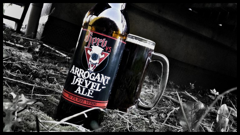 Arrogant Jævel-Ale (American Strong Ale)